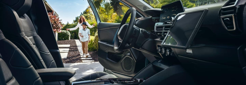 berline familiale en Drôme et en Ardèche. Découvrez le choix d'ambiances intérieurs sur la Citroën C4