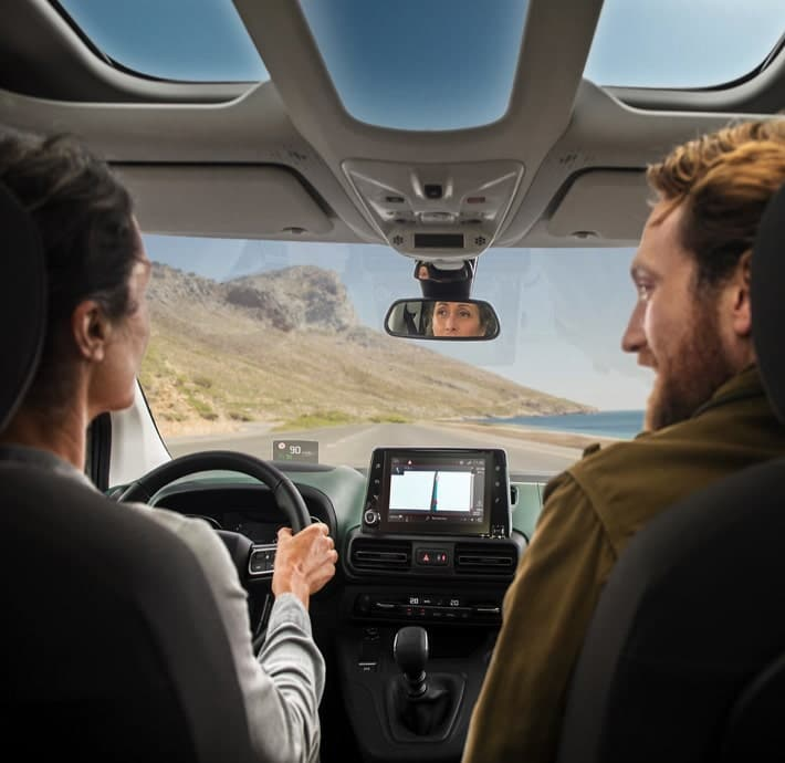 choix de connectivité sur le Citroën Berlingo, la voiture familiale en Drôme et en Ardèche