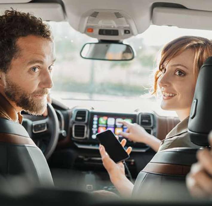 choix de connectivité pour faciliter chaque trajet avec le SUV familial C5 Aircross en Drôme et en Ardèche