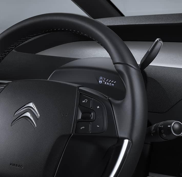 aides à la conduite sur le monospace familial Citroën Grand C4 Spacetourer en Drôme et en Ardèche