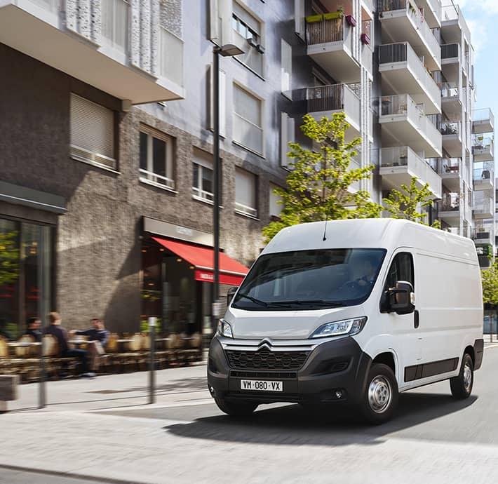 personnalisation de l'utilitaire électrique Citroën Ë-Jumper Valence - Romans
